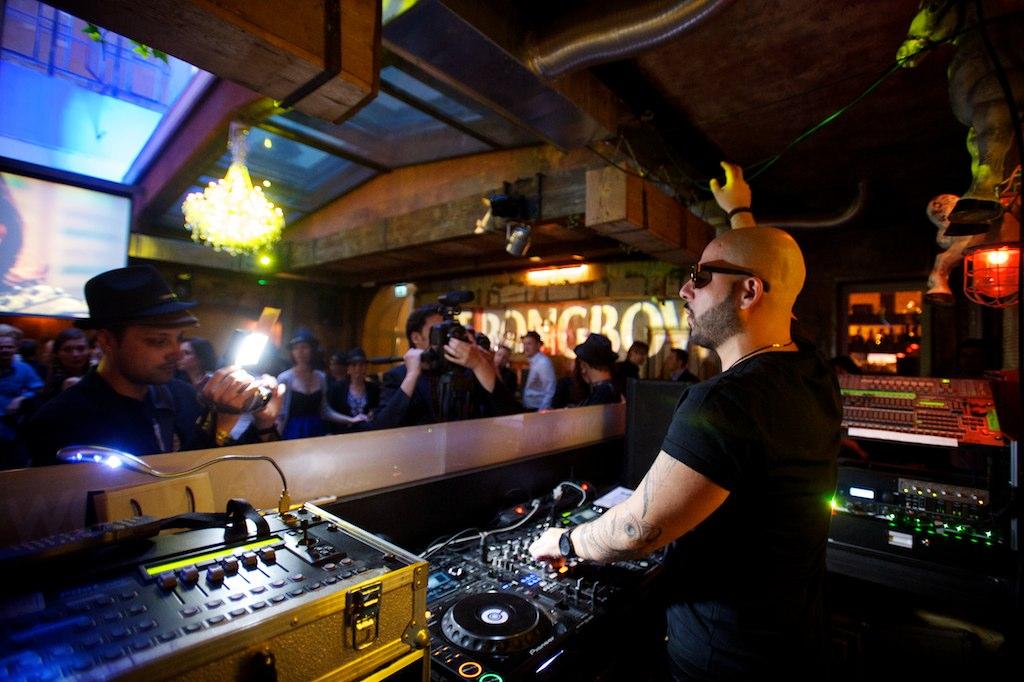 Begi DJ.