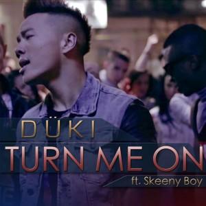 Duki feat Skeeny Boy - Turn Me On CD borító.