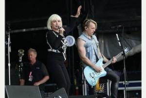 A színpadon a Blondie együttes.